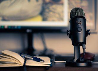 Menschenwelten Podcast Schreibtisch